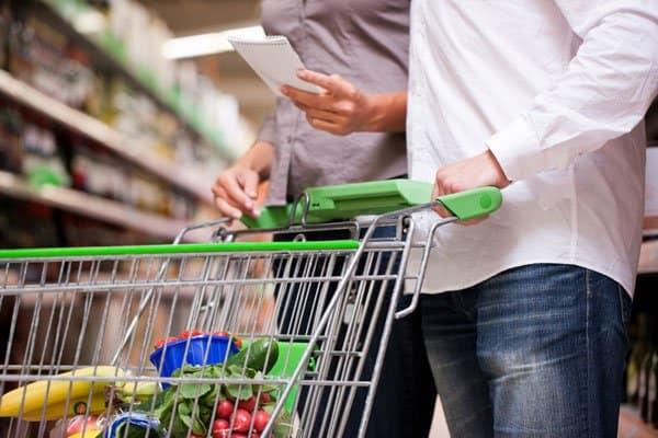 geld-sparen-einkaufen-einkaufszettel