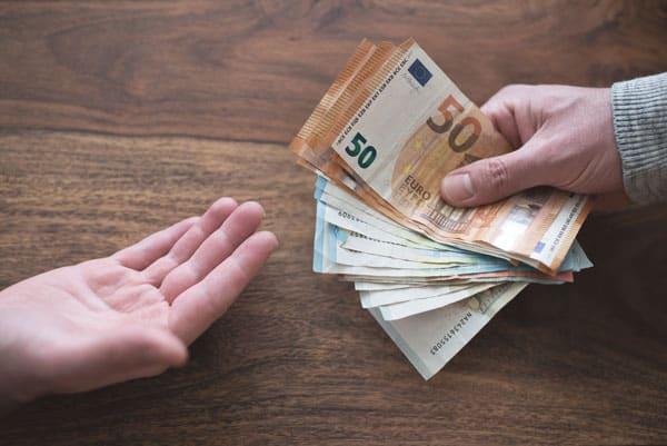 Ich brauche Geld: Cashreserve als Schutz vor finanziellen Engpässenn